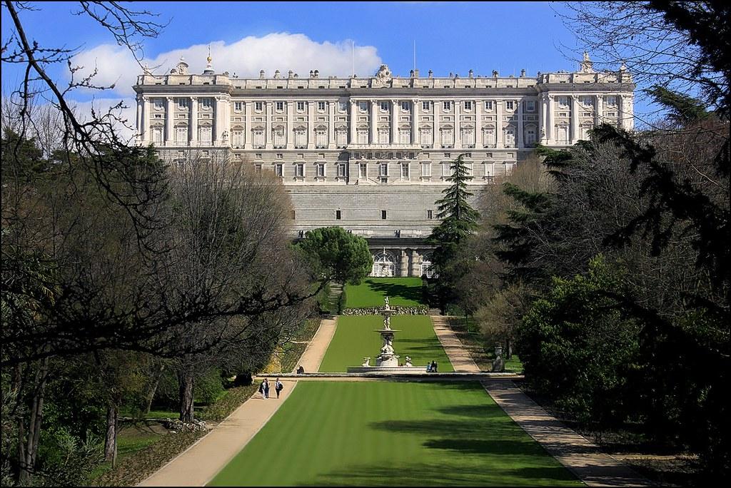 Madrid jardines del campo del moro y palacio real 30 03 flickr - Jardines palacio real madrid ...