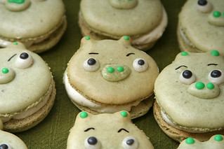 pig macarons 14 | by crumblycookie