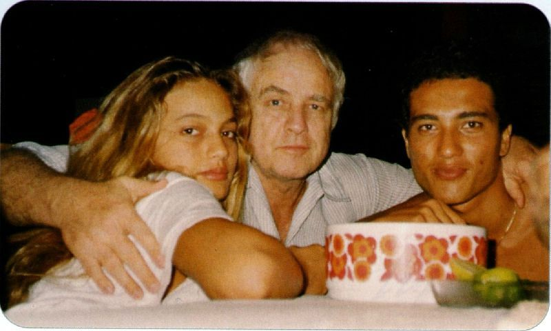 Cheyenne, Teihotu and their father, Marlon Brando | Tahiti ...