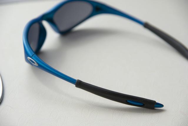 oakley minute blue