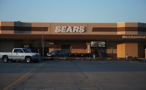 Sears Unexpectedly Shuts Down Photo Studio | by KOMUnews