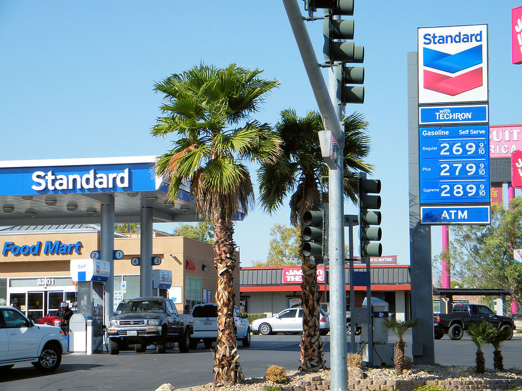 Standard Gas Station Las Vegas Nevada Chevron Corporatio Flickr