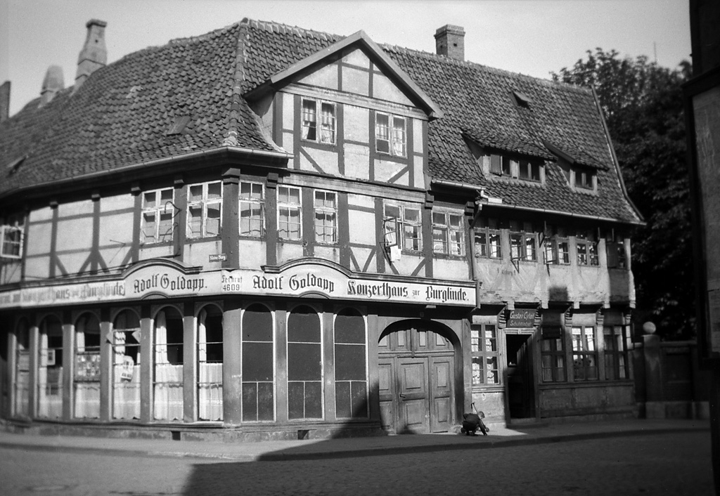 a building in braunschweig germany a half timbered buildi flickr. Black Bedroom Furniture Sets. Home Design Ideas