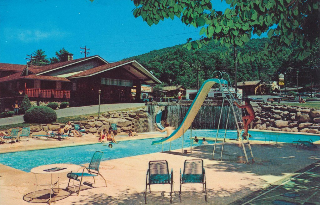 Brookside Motel and Ranch House - Gatlinburg, Tennessee