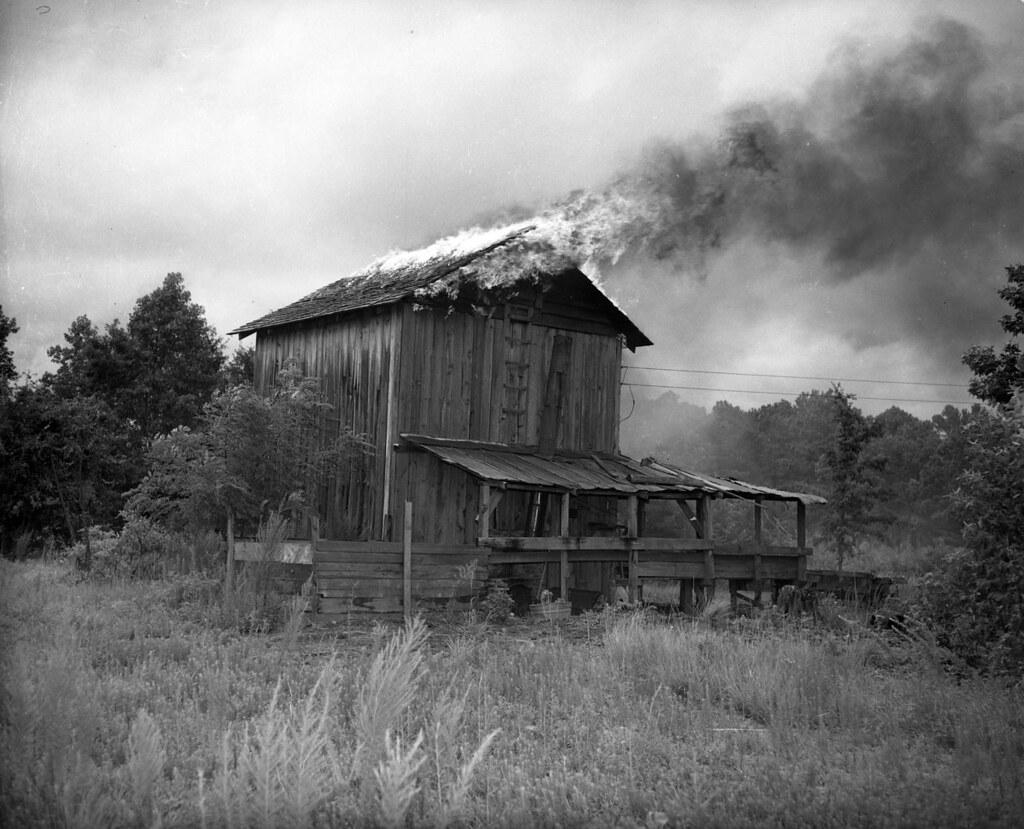 No 48 4 49 Photo Of A Burning Tobacco Barn Locations