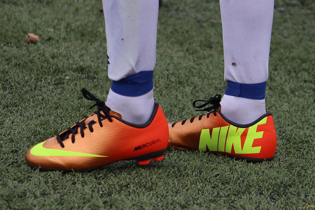 Nike Boys Shoes Y