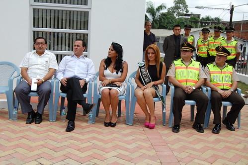 Inauguraci n upc ventanas los r os entre las for Ministerio del interior ecuador