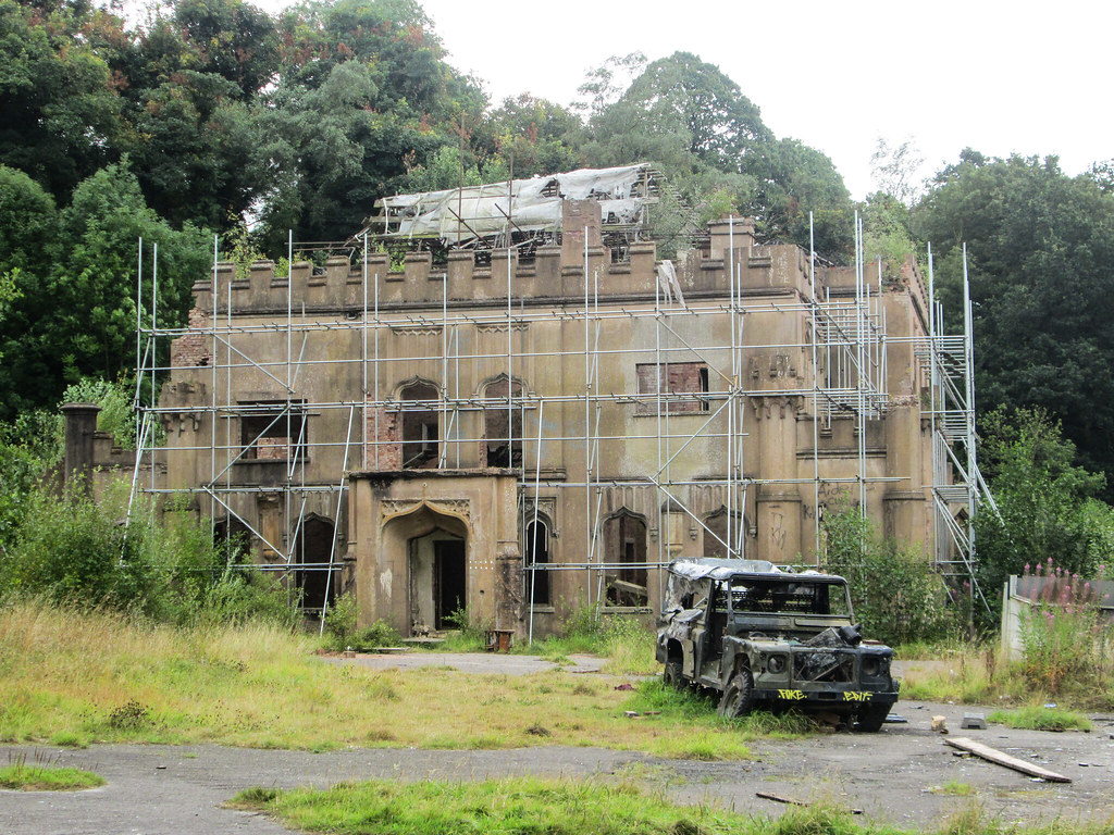 White Land Rover >> Great Barr Hall | This Grade II* listed building is looking … | Flickr
