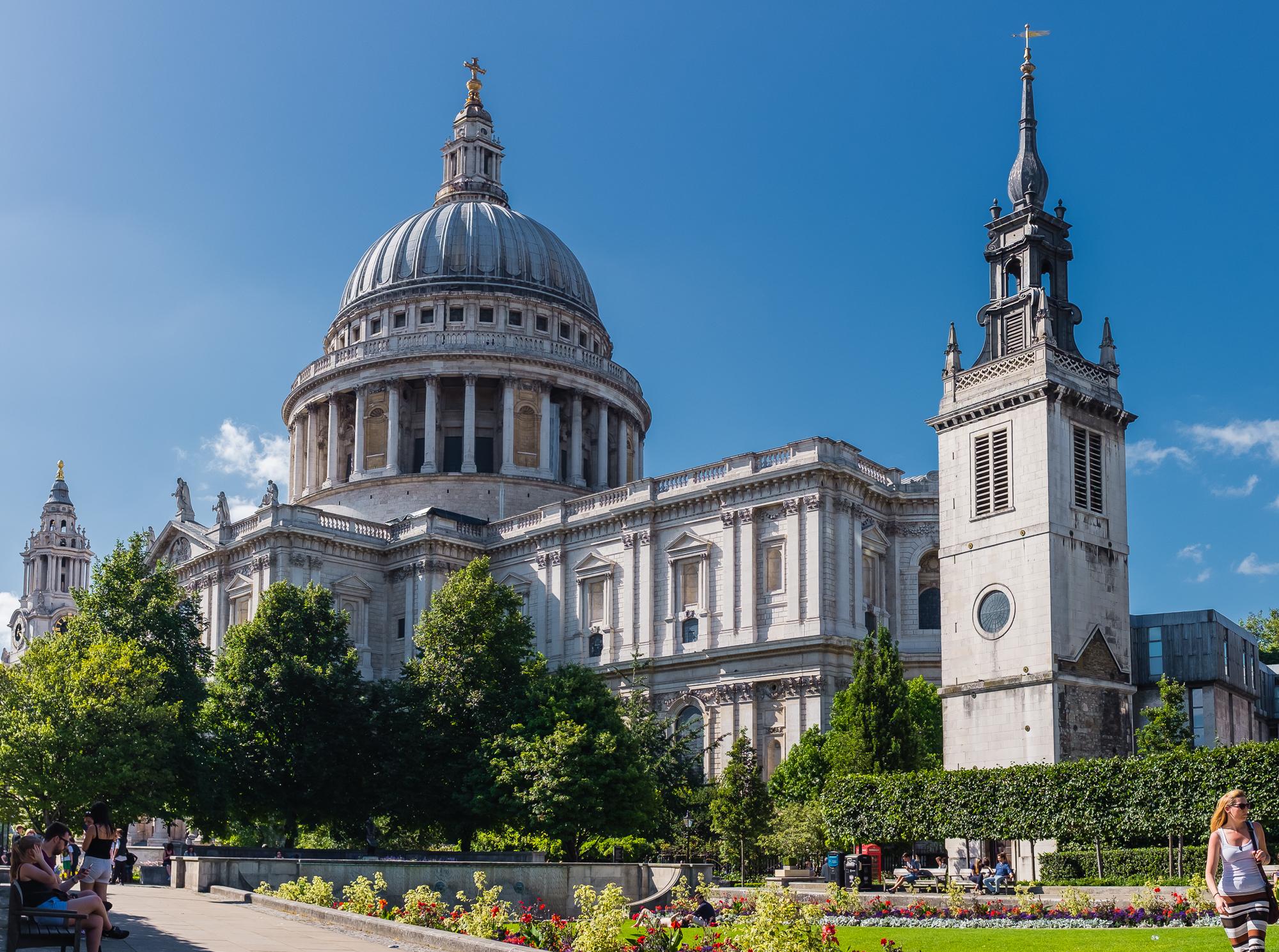 St. Paul Cathedral; aunque no lo parezca, también es una panorámica.