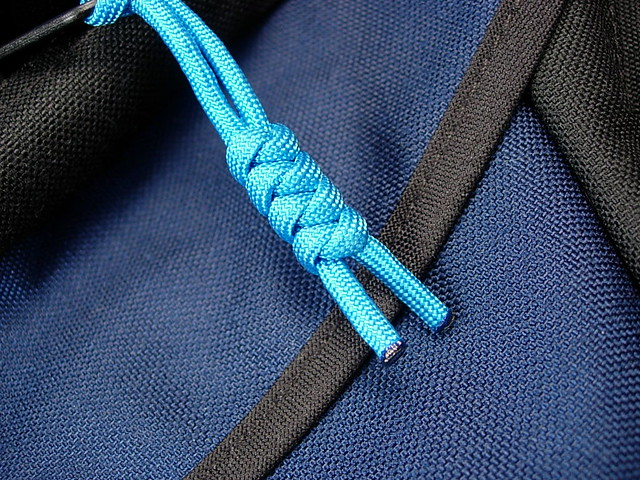 Diy Paracord Zipper Pulls On The Brain Bag Flickr