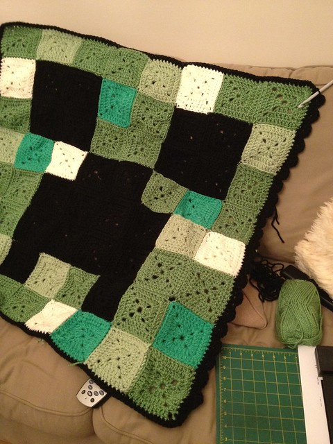 Minecraft Crochet Creeper face blanket Blogged By ...