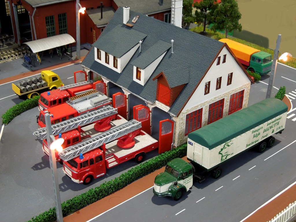 caserne de pompiers diorama 1 87 ho scale expo bourse. Black Bedroom Furniture Sets. Home Design Ideas