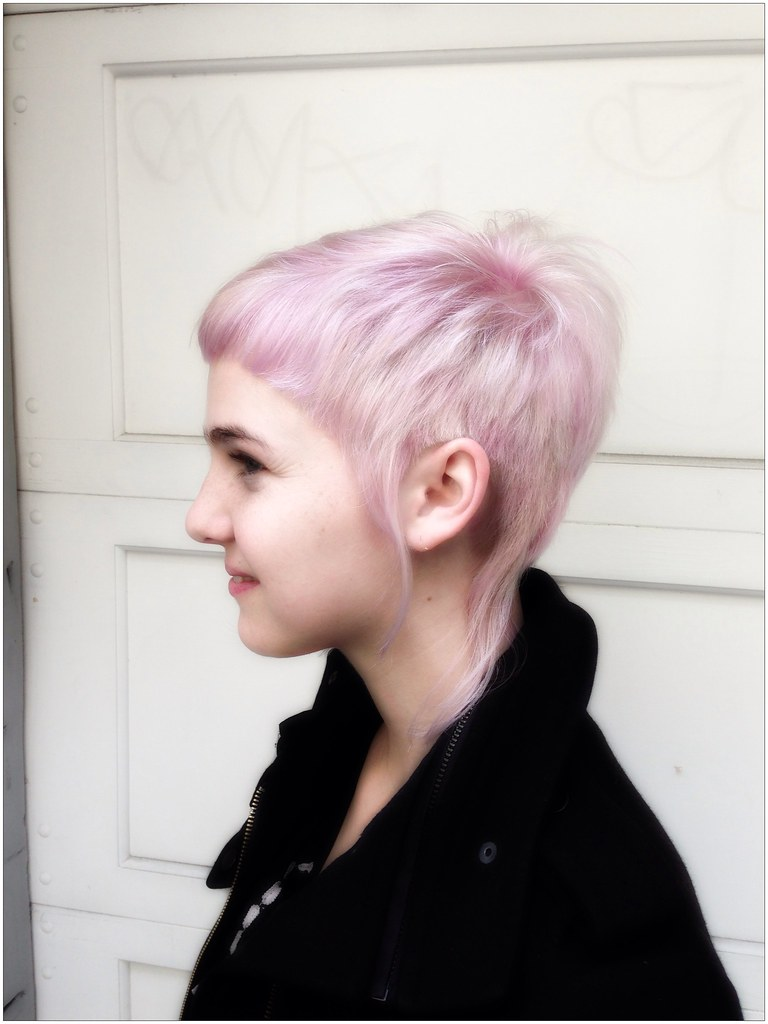 Elvin Asymmetrical Short Haircut With Pink And White Flickr