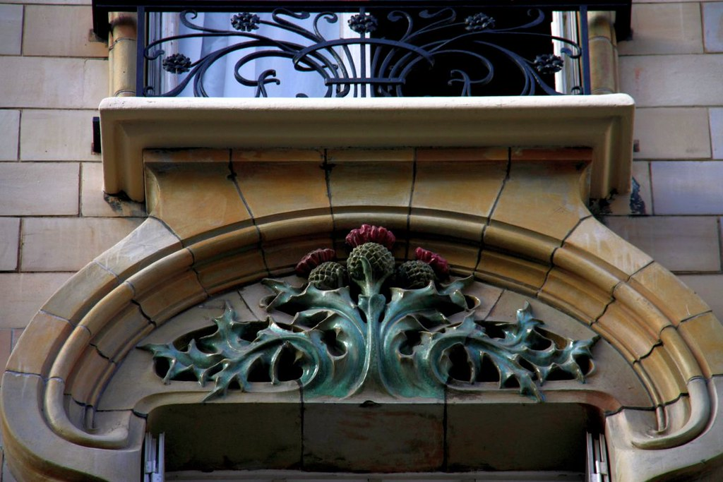 Art nouveau ceramic thistles in paris 16th architecture st flickr - Architect binnen klein gebied paris ...