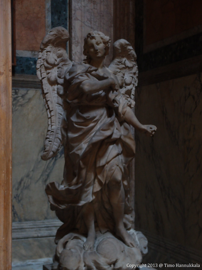 Statue of the Archangel Gabriel in The Pantheon | The ...