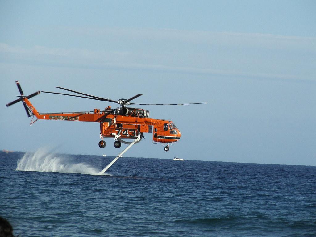 Elicottero Antincendio : Elicottero sikorsky antincendio p o flickr