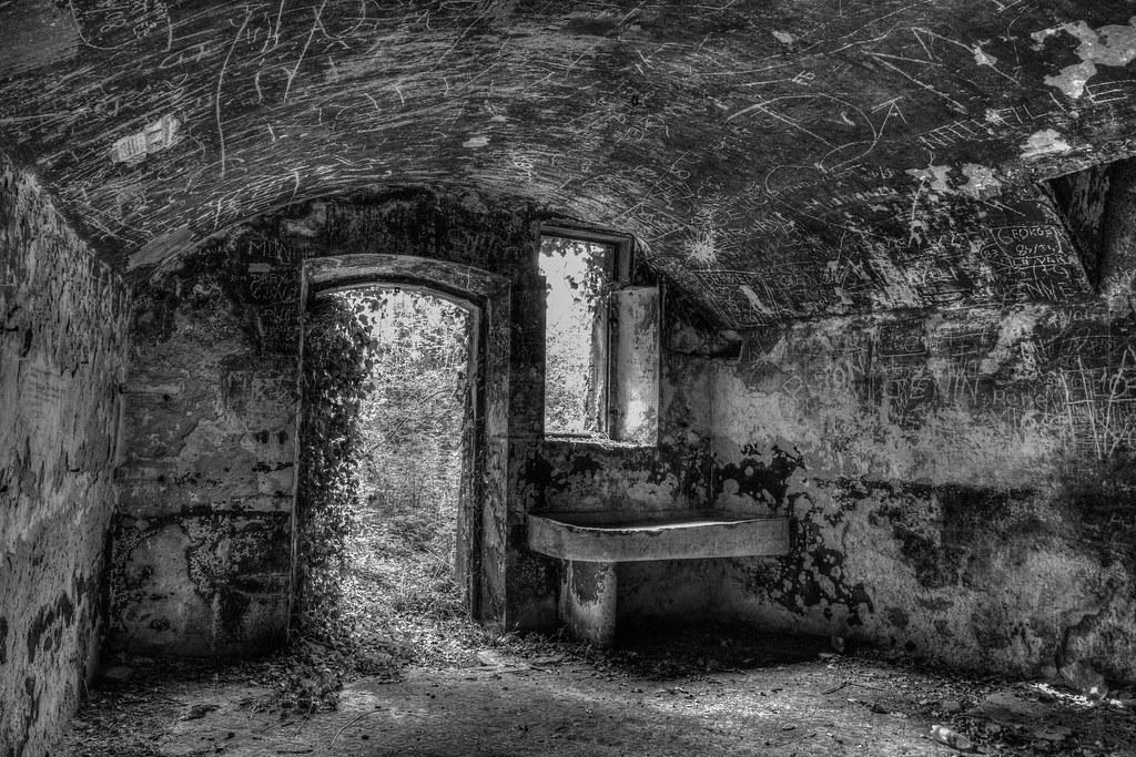 Visite du fort d'ecrouves 29019778736_2b1828c880_b