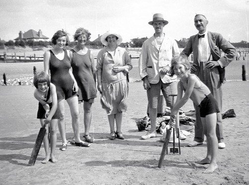 Anybody For Beach Cricket 20s All This Collection Found I Flickr