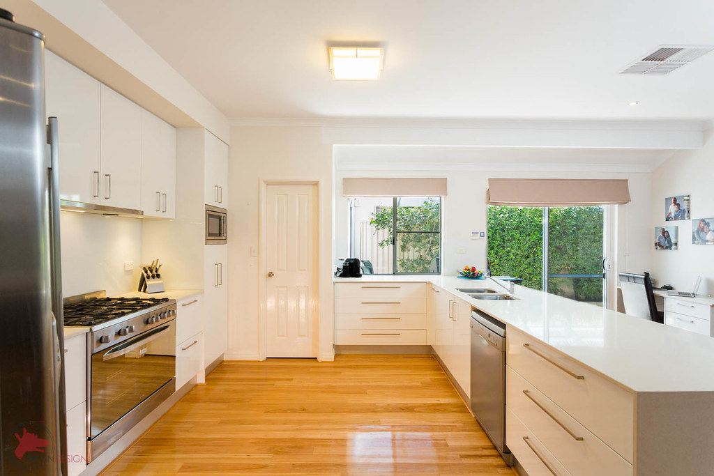 White Kitchens Cabinets With Blue Walls