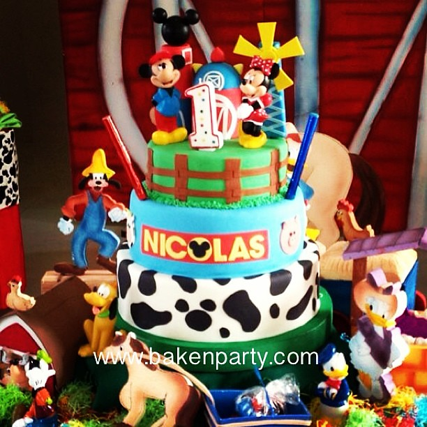 #mickey #mickeymouse #cake #fondant #farm #disney #animalp ...