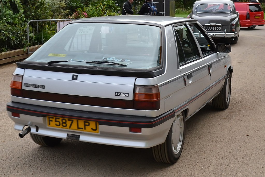 1988 renault 11 gtx seen leaving the 2012 tredegar park vi flickr. Black Bedroom Furniture Sets. Home Design Ideas