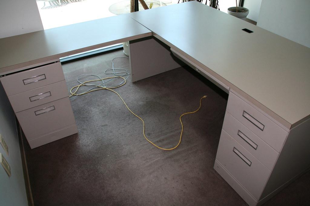 L Shape Beige Shaw Walker Desk From Back Ga Lowden Flickr