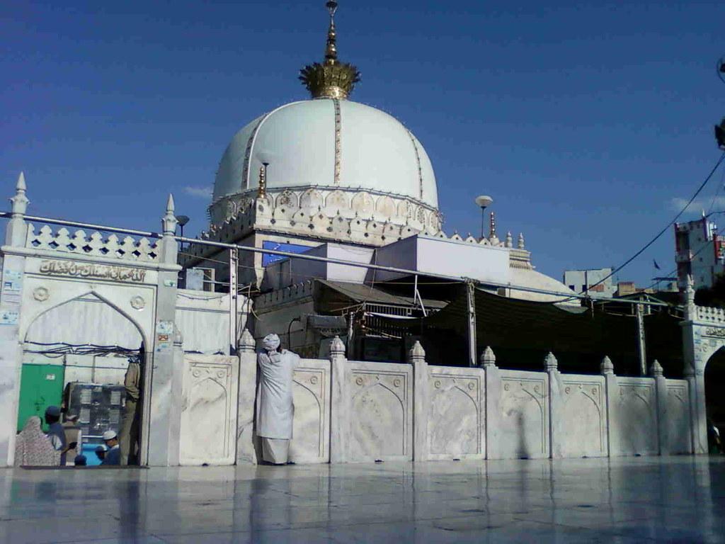 Sultan ul hind hazrat khwaja garib nawaz moinuddin hasan flickr hazrat khwaja garib nawaz moinuddin hasan chistyajmer altavistaventures Choice Image