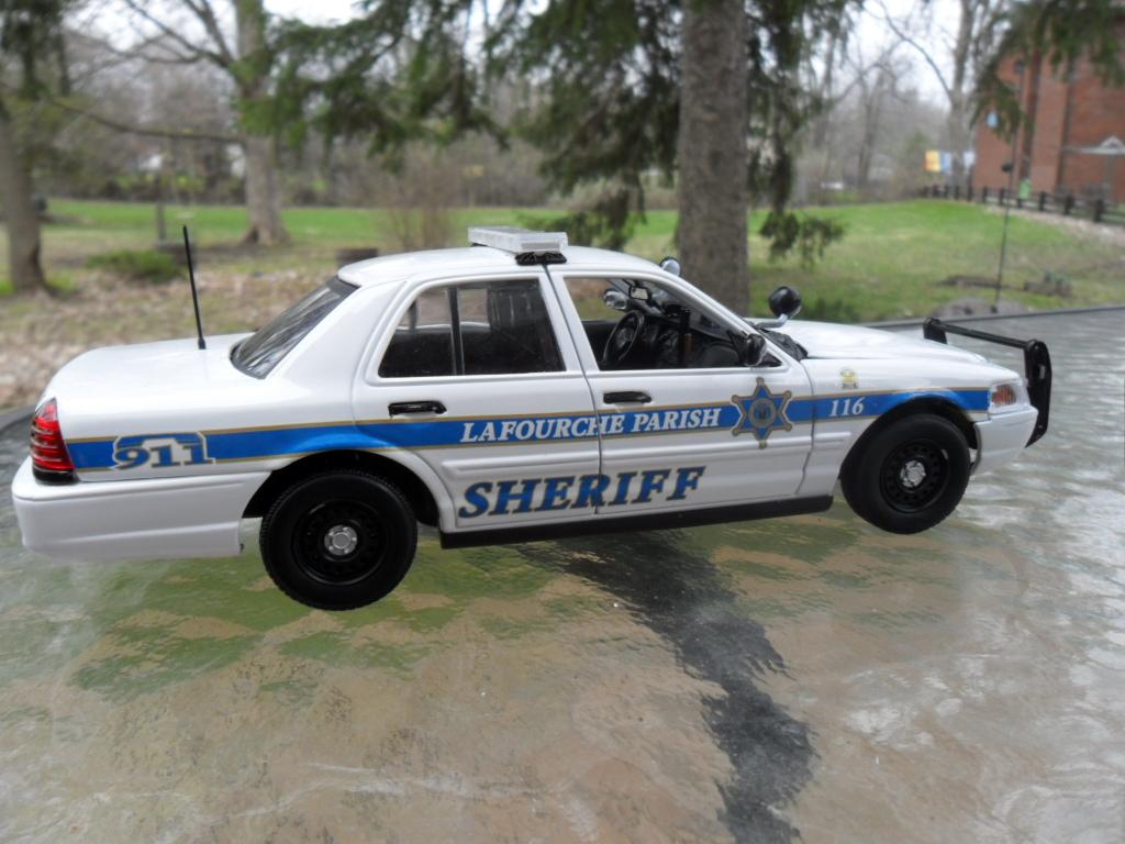 Lafourche Parish Sheriff Ford Crown Victoria 1 24