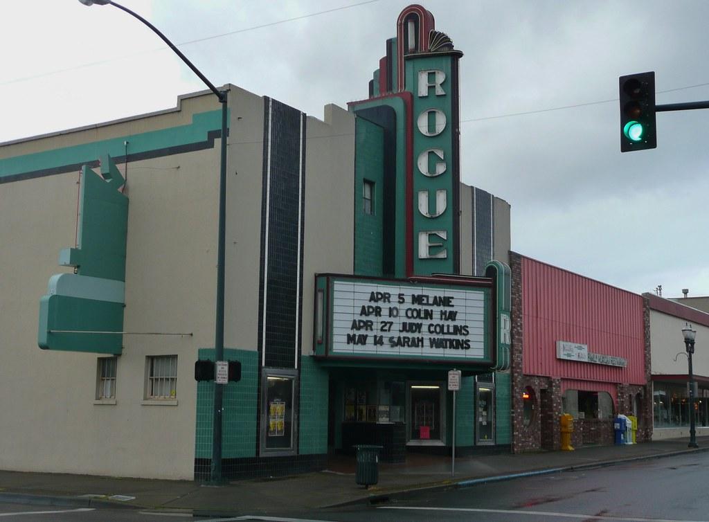 Rogue Theatre Grants Pass Oregon 4 143 Se H Street