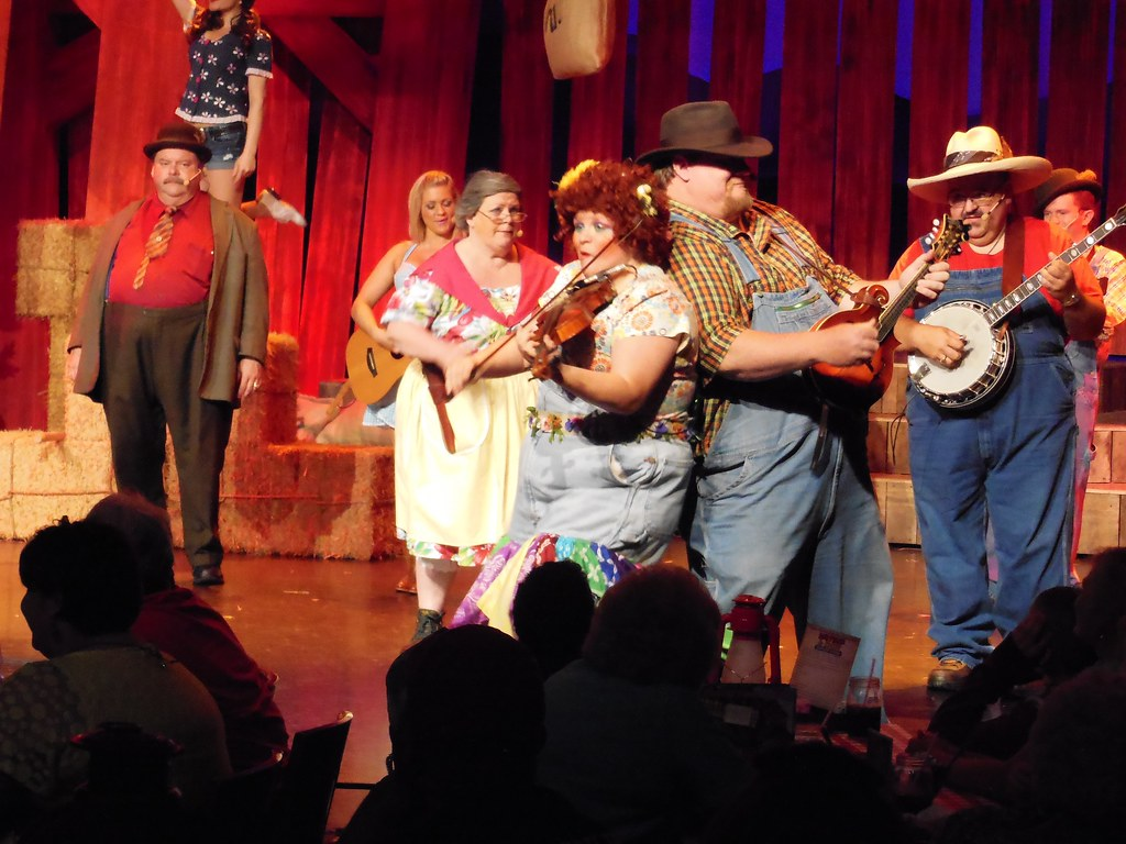 Hatfield Amp Mccoy Dinner Show In Pigeon Forge Tennessee