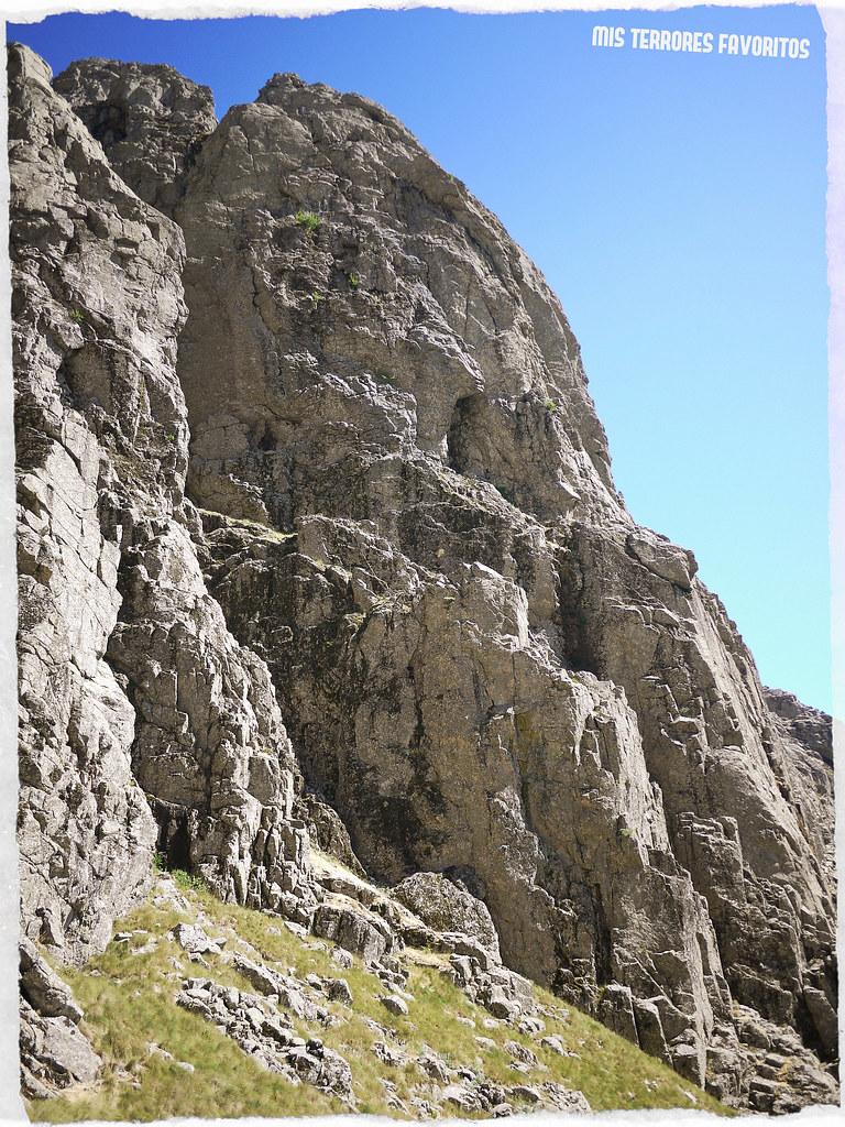 DIEDRO DE LOS HERBORISTAS- RISCO GORDO NOROESTE - 250 m 6b