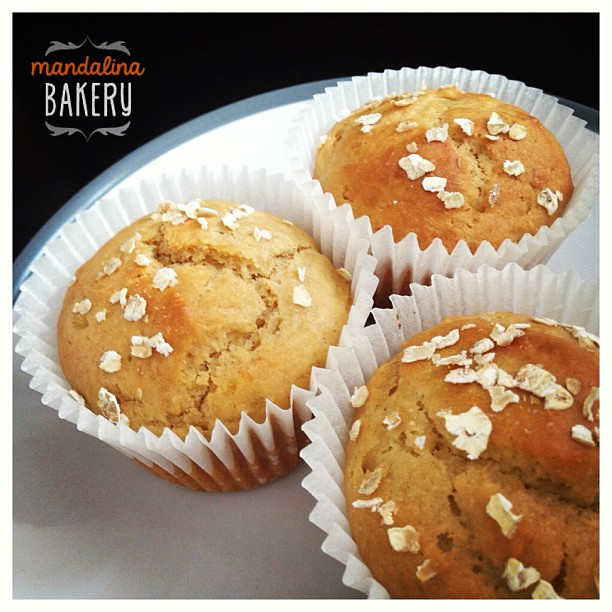 Soft, light and fluffy! Low calorie banana & peanut butter muffins ...