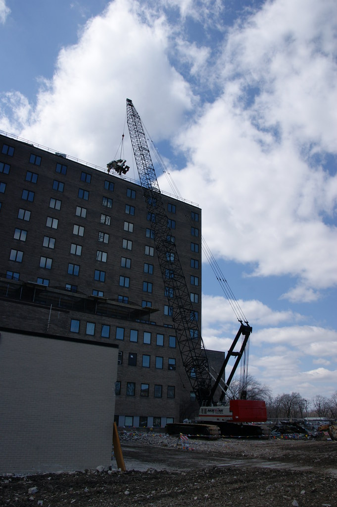 Ns Great Lakes Former Hospital Building Demo 24 Apr 13 0