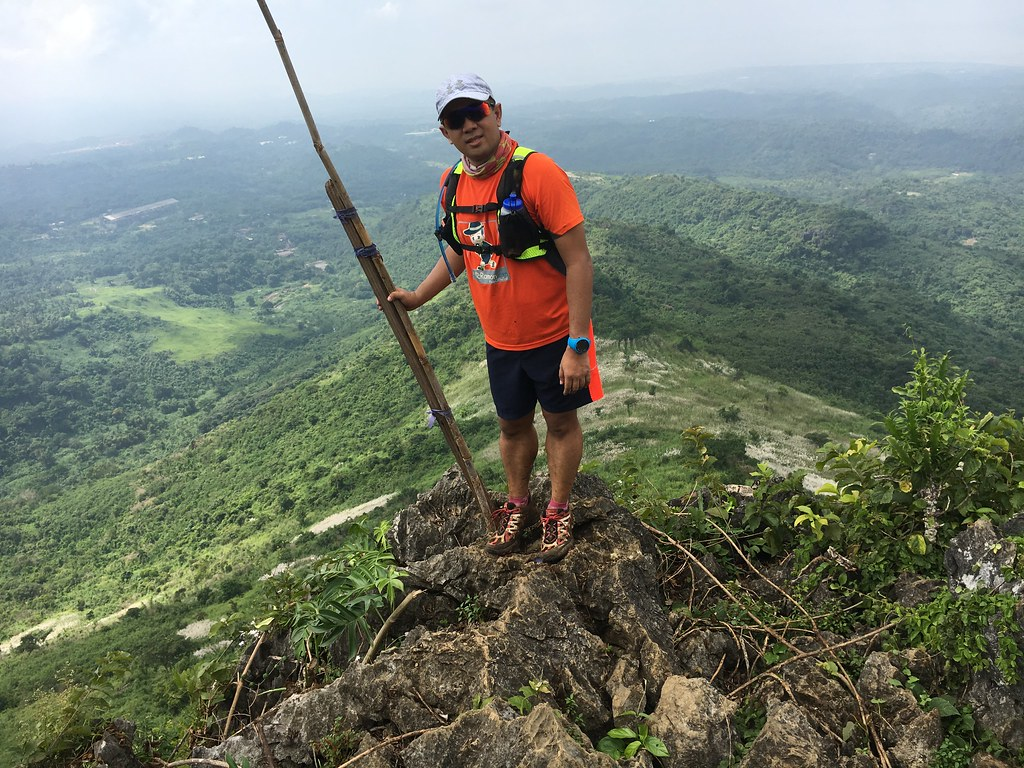 Amihan Vest powered me to the top of Mount Paliparan.