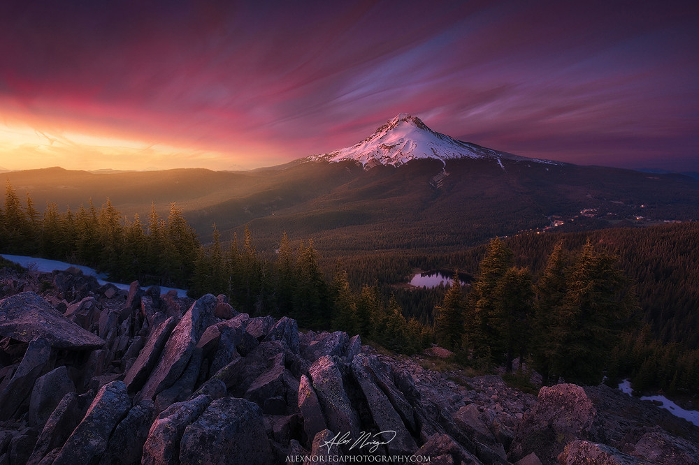 Lost Oregon S Mount Hood And Mirror Lake As Seen From
