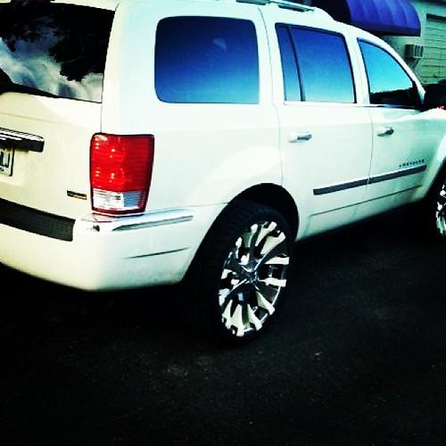 "24""inch Bacarrat Phang Custom Painted Wheels 2007 Chrysler"