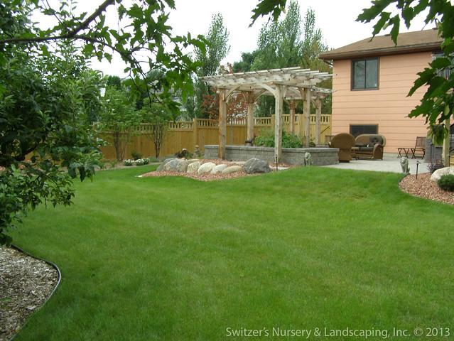 Backyard designs mn for Garden design jobs essex
