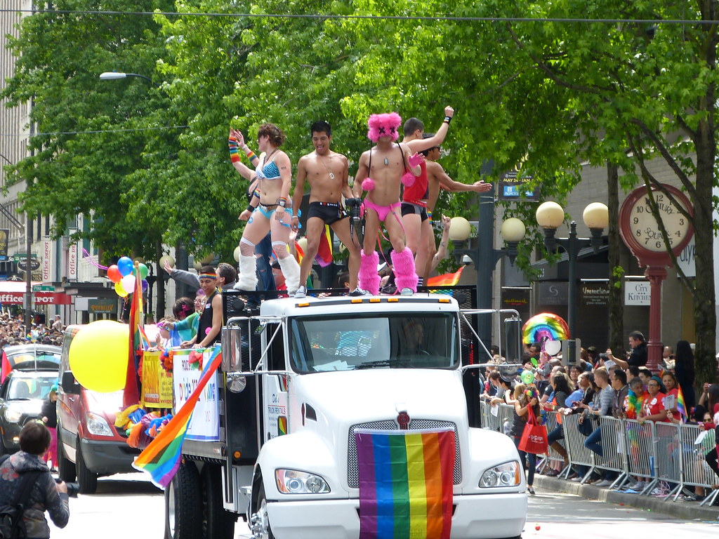 Gay Seattle Guide - Gay Bars & Clubs,
