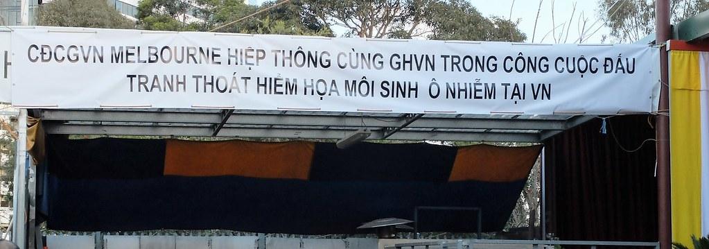 Thắp nến hiệp thông cùng GP Vinh