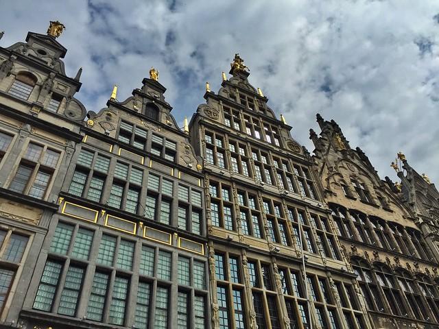 Fachadas de la Grote Markt de Amberes (Flandes, Bélgica)