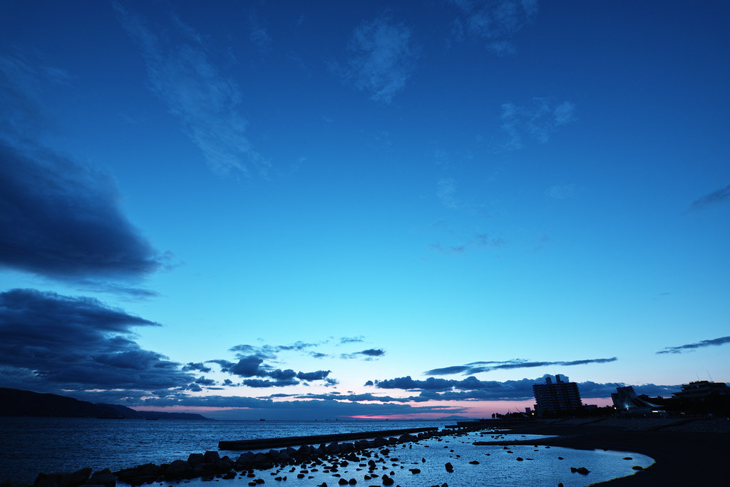 Blue Sky | A blue sky at dusk. SD1 with 10-20/3.5 at 10mm ...