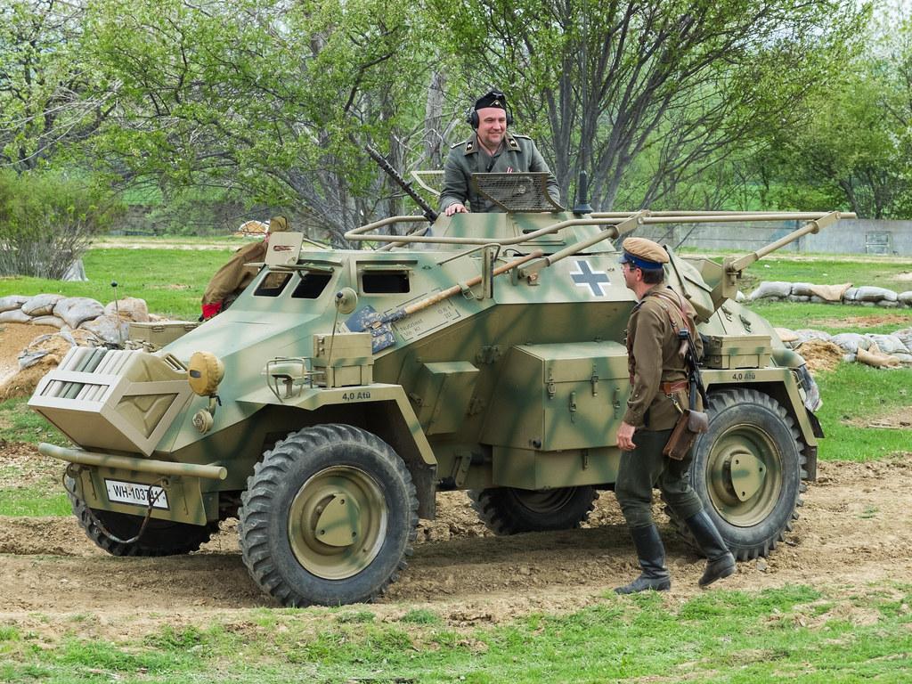 sd kfz 223 panzerfunkwagen thomas t flickr. Black Bedroom Furniture Sets. Home Design Ideas