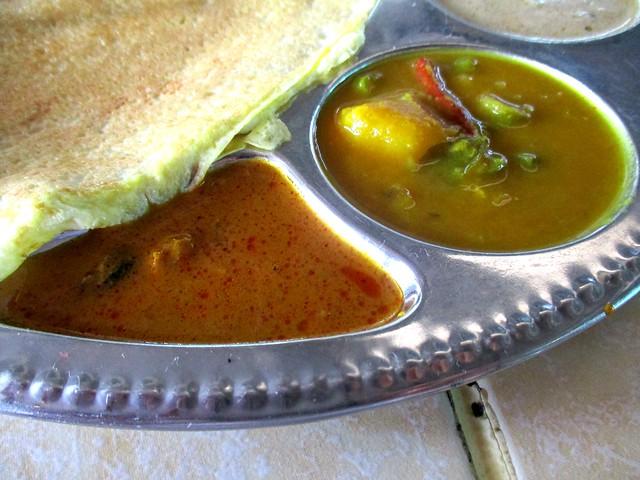 Hari Hari Daun Pisang curry & dhal dips