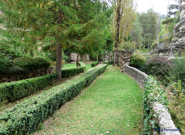 Jardins Artigas (La Pobla de Llillet) -05- Hacia La Cascada 01 (12-10-2016