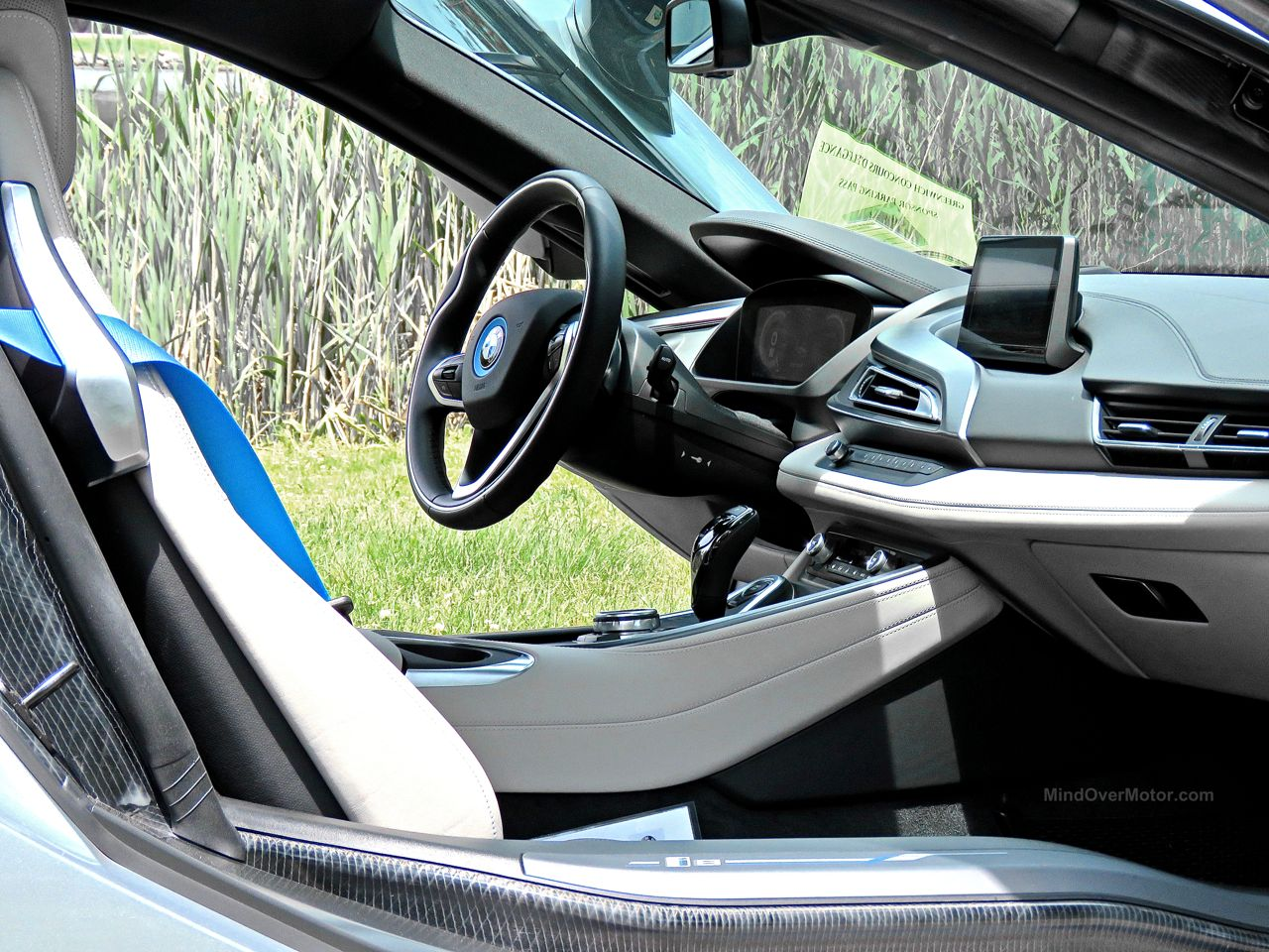 BMW i8 Review 13