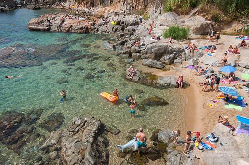 La playa de Sant Roc o Els Canyers en Calella de Palafrugell