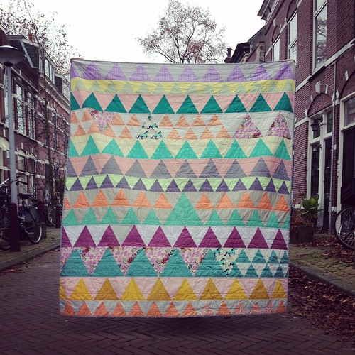 Quilt flying in the street #indianblanket #stitchedincolor | by Muriël (doucepoints)