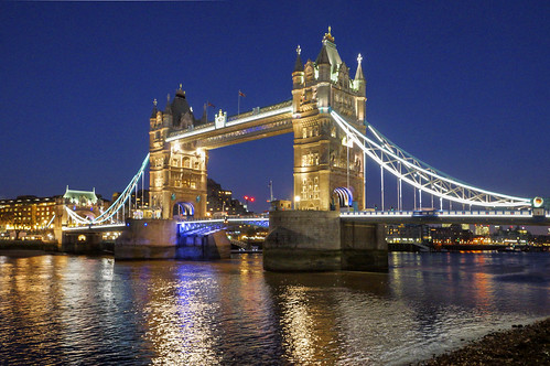 how to get to tower bridge