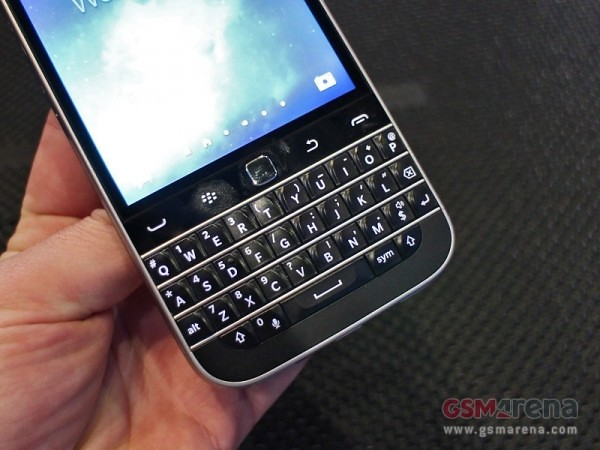 Return to Classic classic BlackBerry hands-on tours