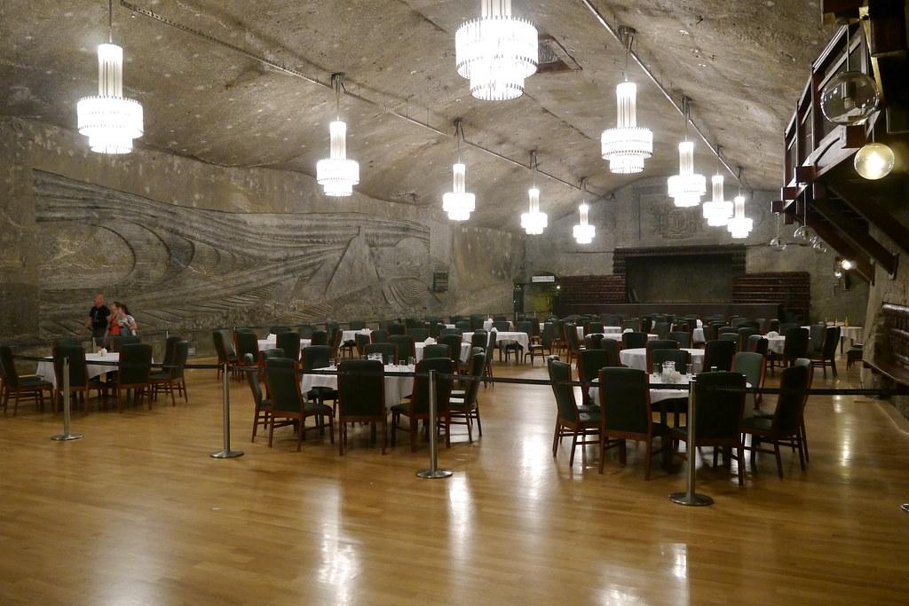 Salón de bodas bajo tierra